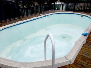 professional pool liner and repair service